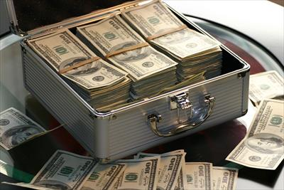 お金はたくさんあるんだと自分自身に植え付けること