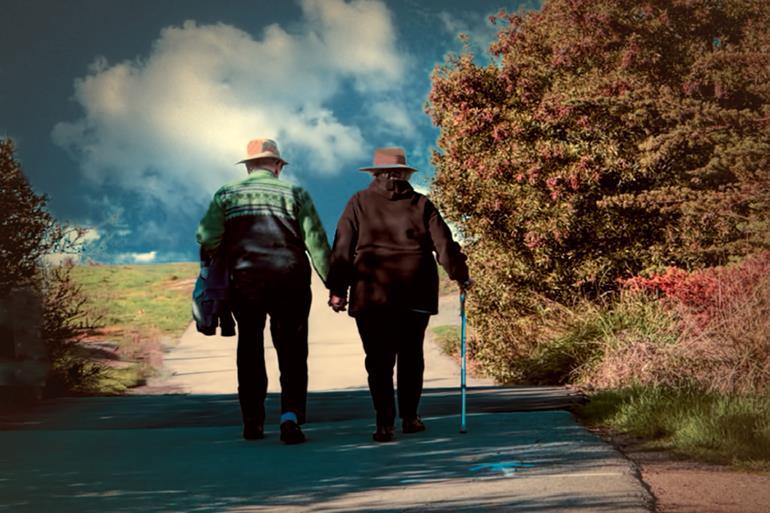 今ではなく未来の自分を見ることで金運アップ!長い人生で考えて自分に投資することで豊かな人生を